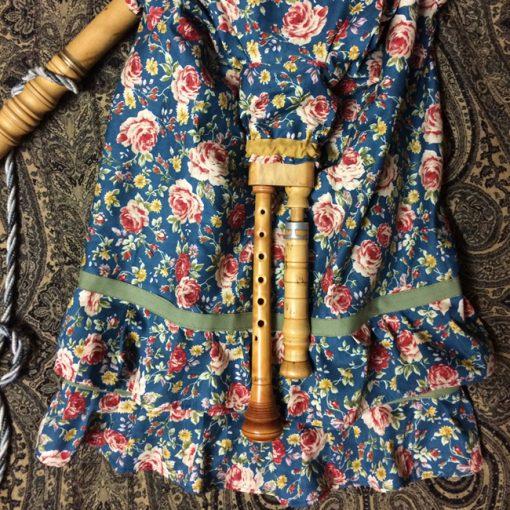 vestido-gaita-azul-de-flores