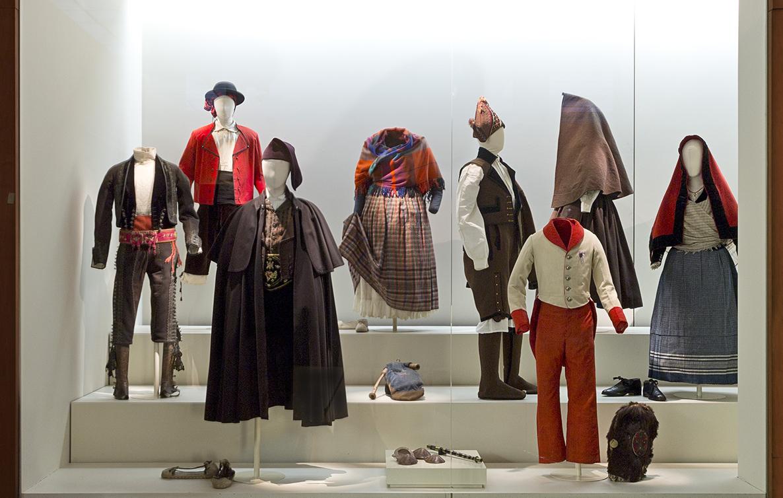 pervivencias museo del traje